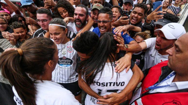 CAMPEÃS: Corinthians vence o São Paulo, bate recorde de público e fatura o Paulistão