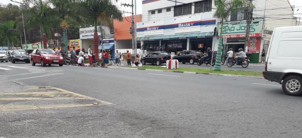Mulher é atropelada por moto enquanto atravessava na faixa de pedestre em Votorantim