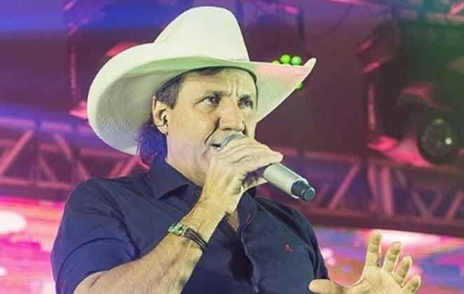 Morre cantor sertanejo Juliano Cezar após sofrer um infarto em pleno show