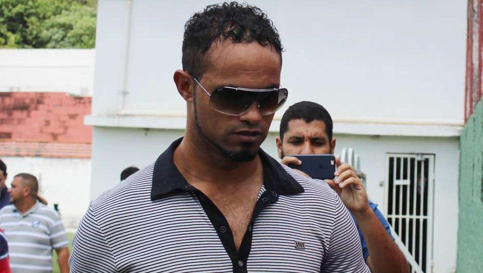 Time baiano desiste da contratação do goleiro Bruno após receber avalanche de críticas