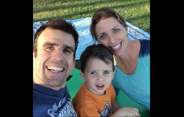 Filho de 5 anos de jornalista da ESPN morre após cair do 5º andar de um prédio