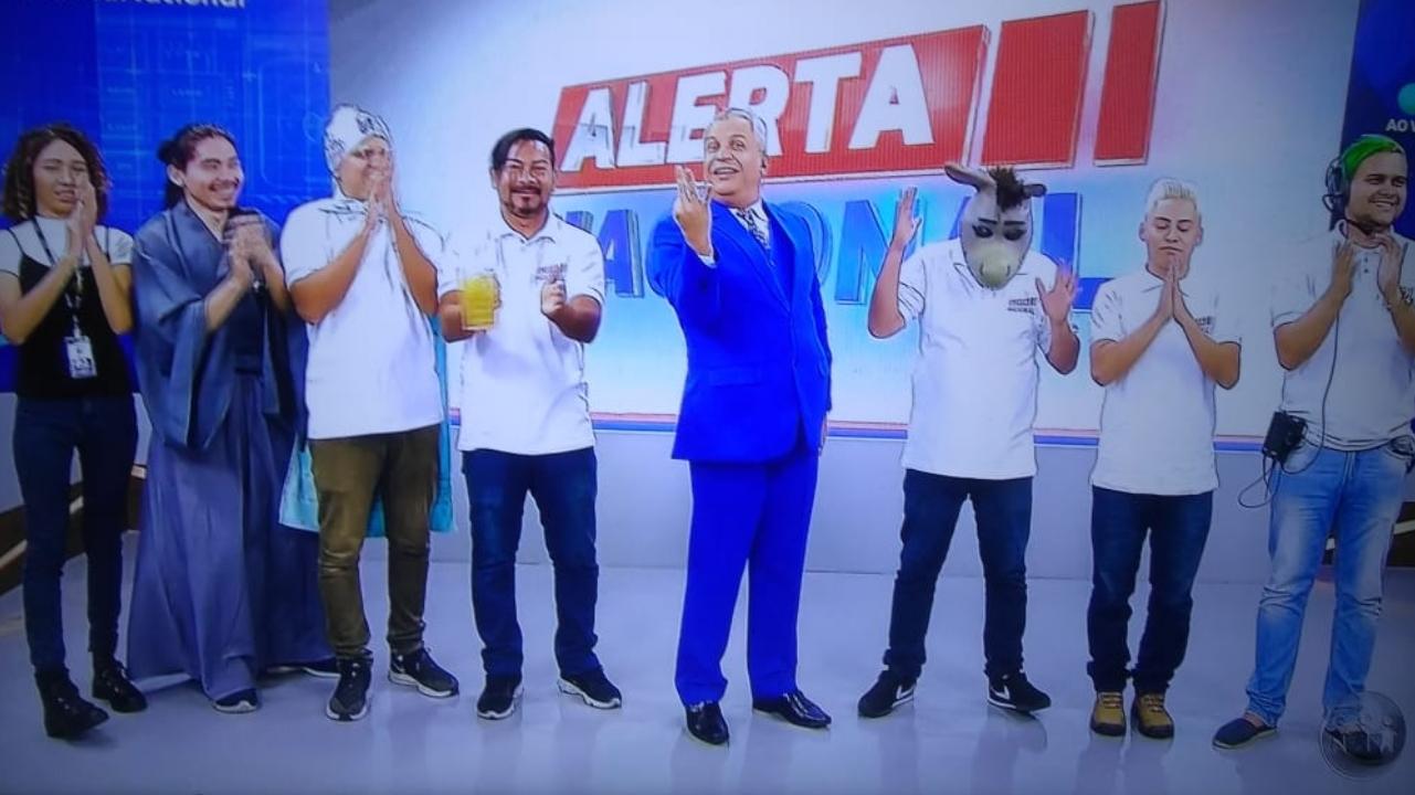 Em sua estréia em rede nacional pela RedeTV!, Sikêra Júnior alcança o primeiro lugar nos trending topics