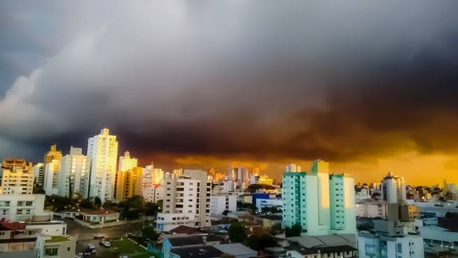 URGENTE: Defesa Civil emite alerta com previsão de chuva forte em Sorocaba
