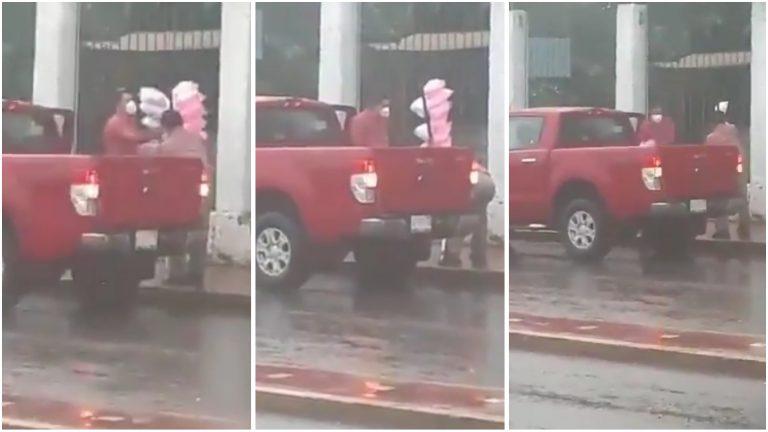 Homem compra todo algodão-doce de vendendor que trabalhava na chuva
