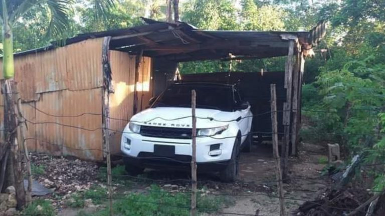"""Primeiro a nave, depois a casa"": Land Rover em barraco viraliza na web"