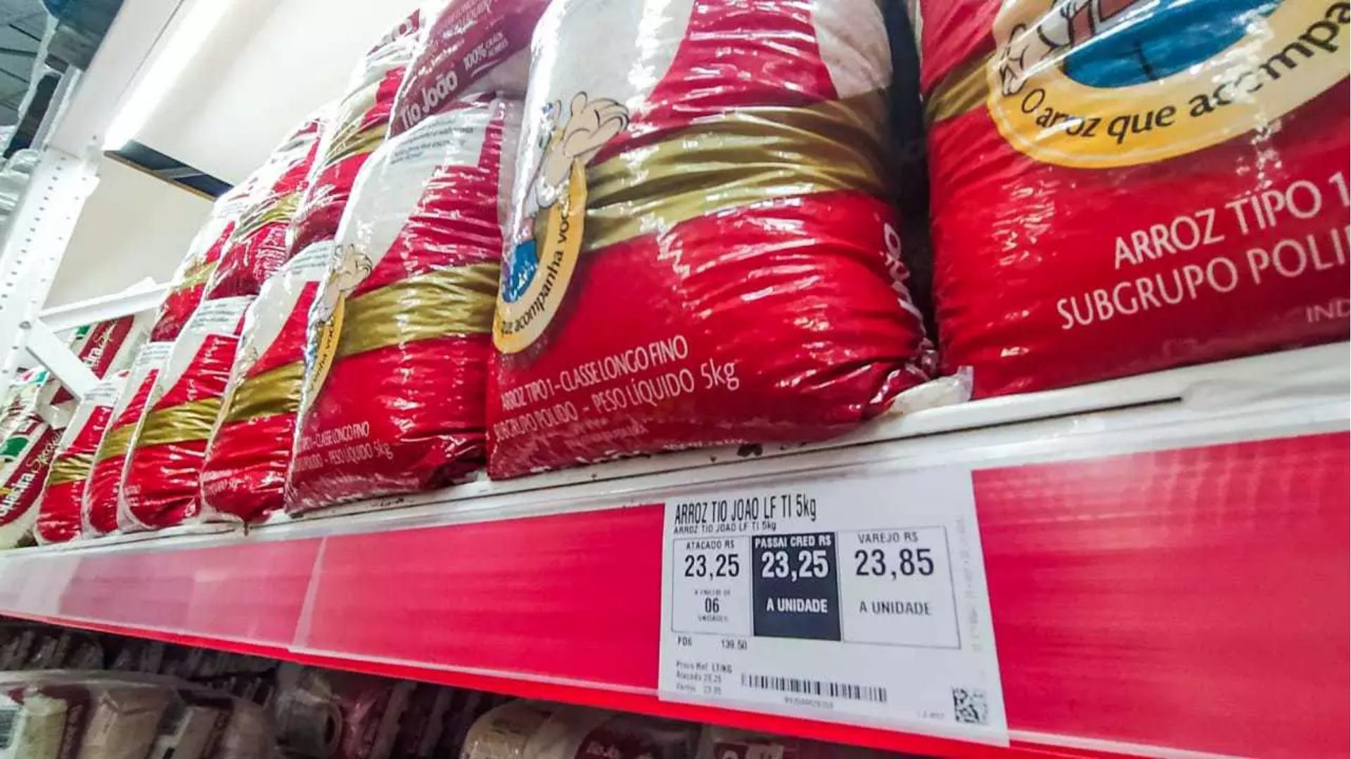 Governo zera imposto para baixar o preço do arroz