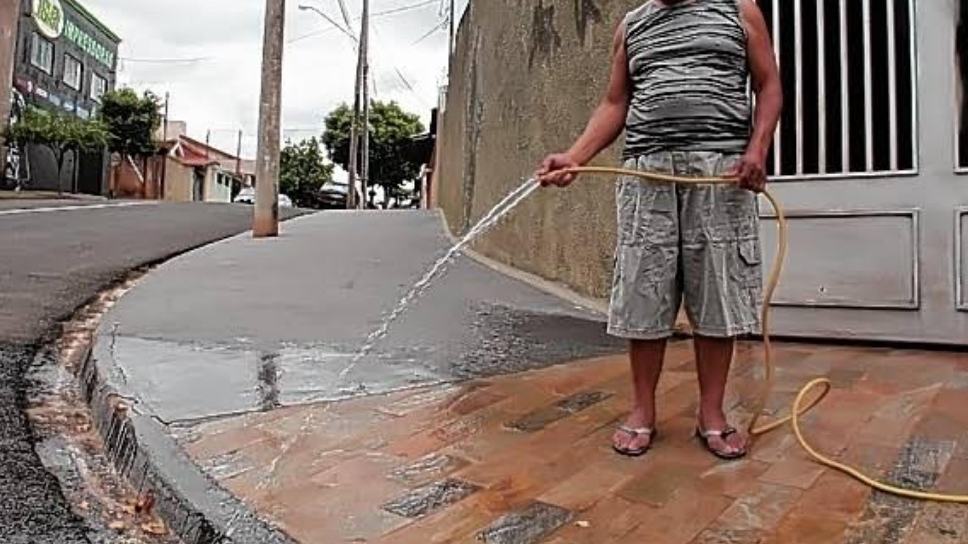 Quem desperdiçar água em Sorocaba poderá levar multa alta do SAAE