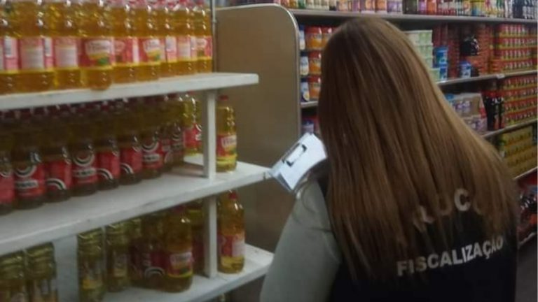 Procon-SP autuará supermercados por abuso nos preços de ítens básicos