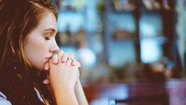 Deus colocará em suas mãos até aquilo que você não pediu a Ele. Tenha fé!