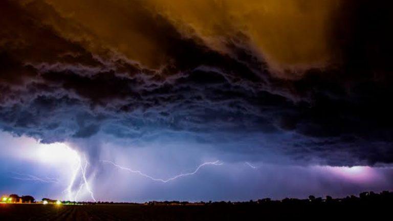 SP pode registrar 'chuva preta' com chegada de fumaça do Pantanal nesta semana
