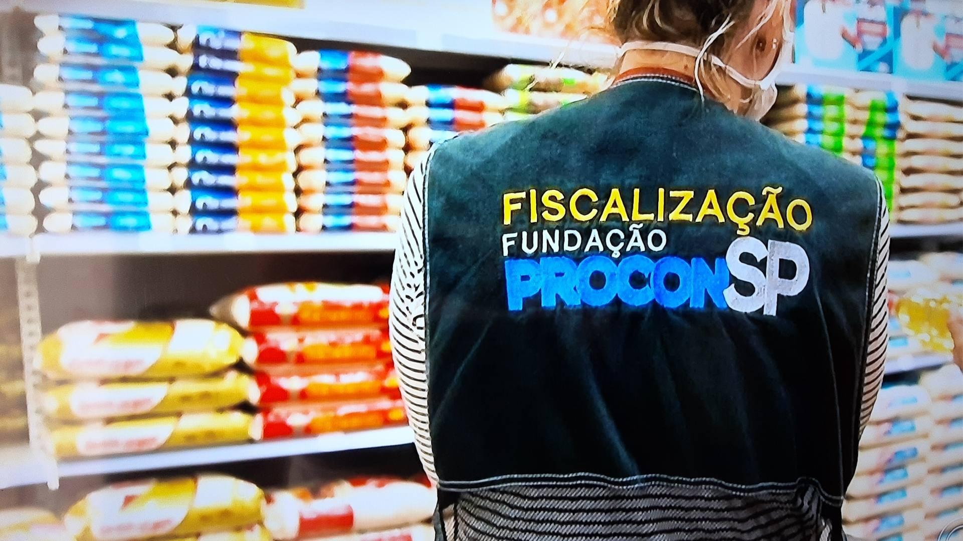 Em 2 dias de fiscalização, Procon notifica 87 supermercados por preços abusivos