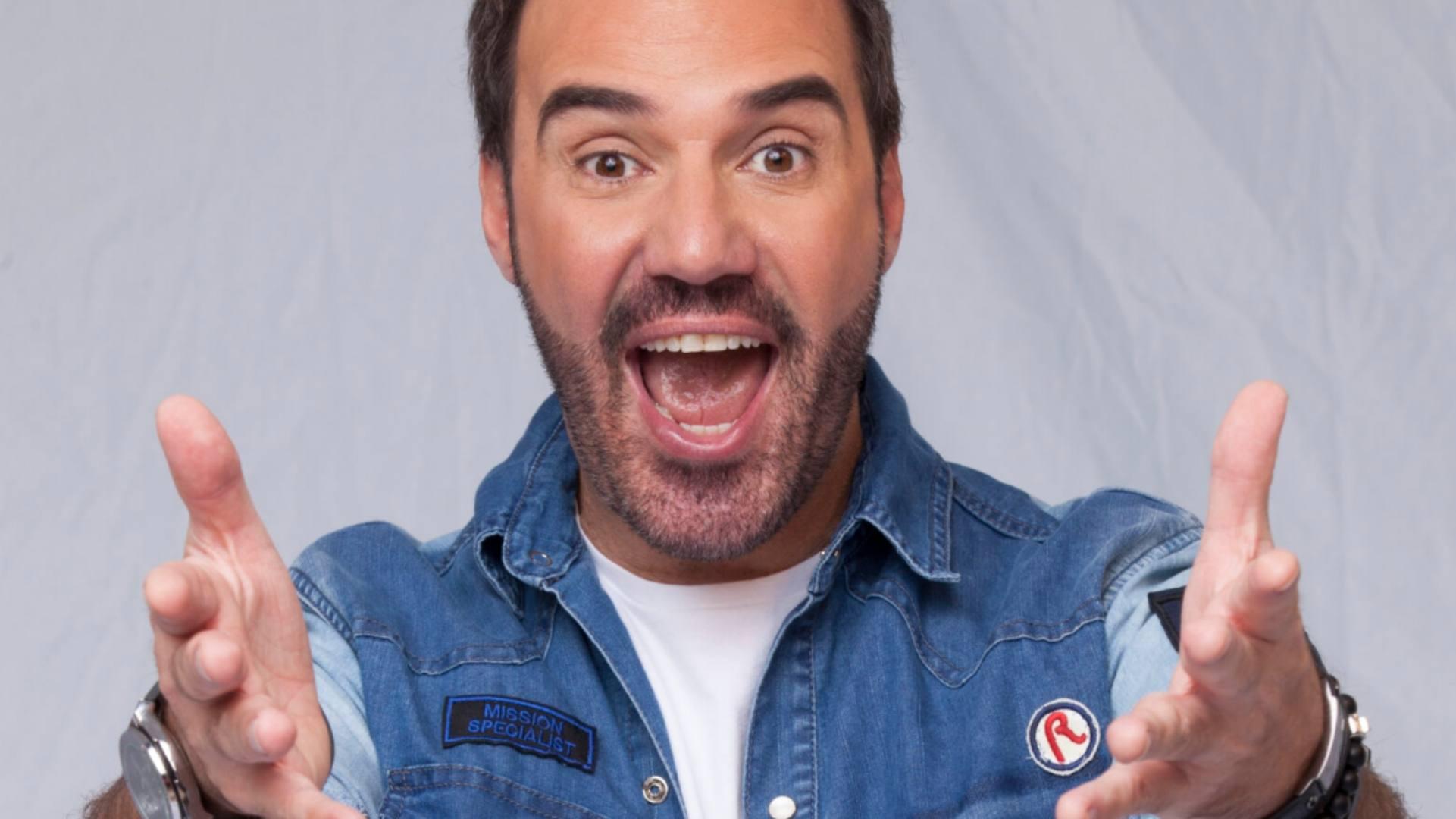"""Humorista Diogo Portugal apresenta """"Fake Live"""" em Sorocaba"""