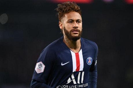 Neymar assina contrato com a Puma após 15 anos de Nike